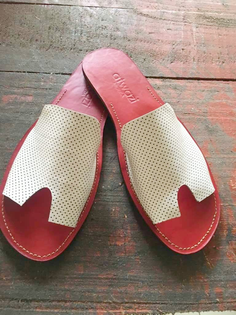 A-TEJ (WHITE PERFORATED/RED)