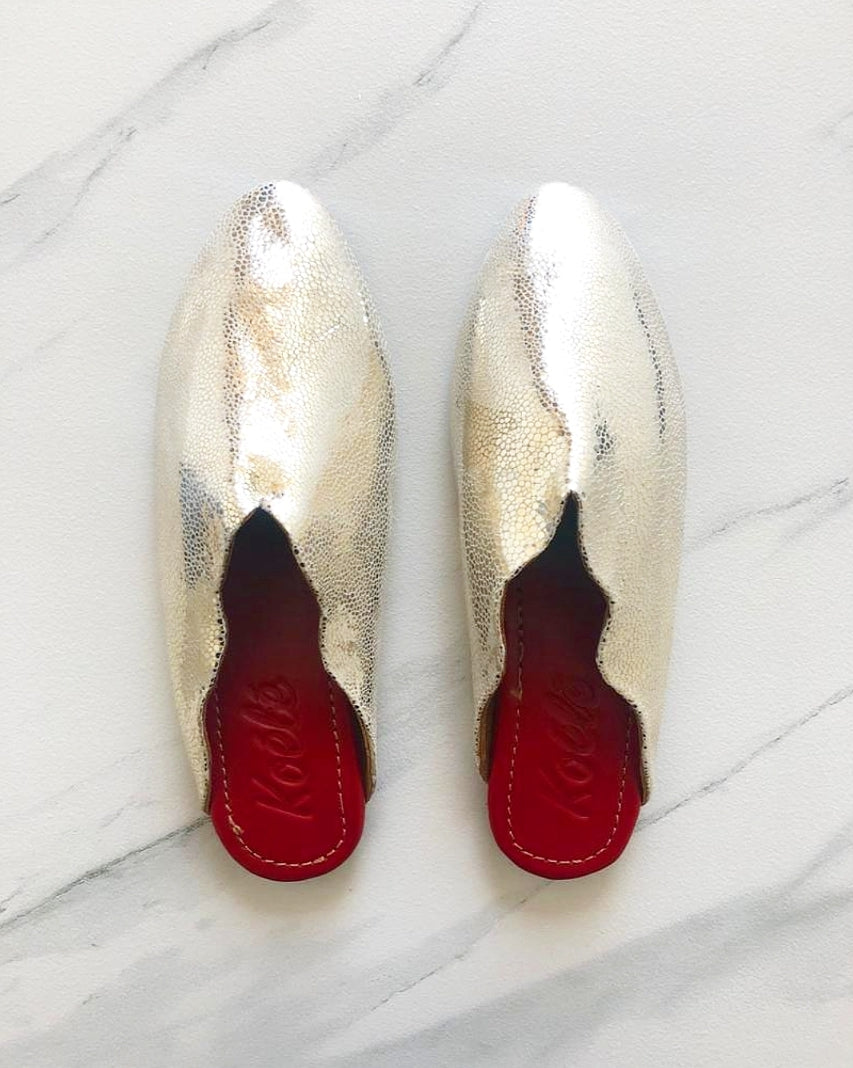 MULES (CRACKED SILVER/RED)