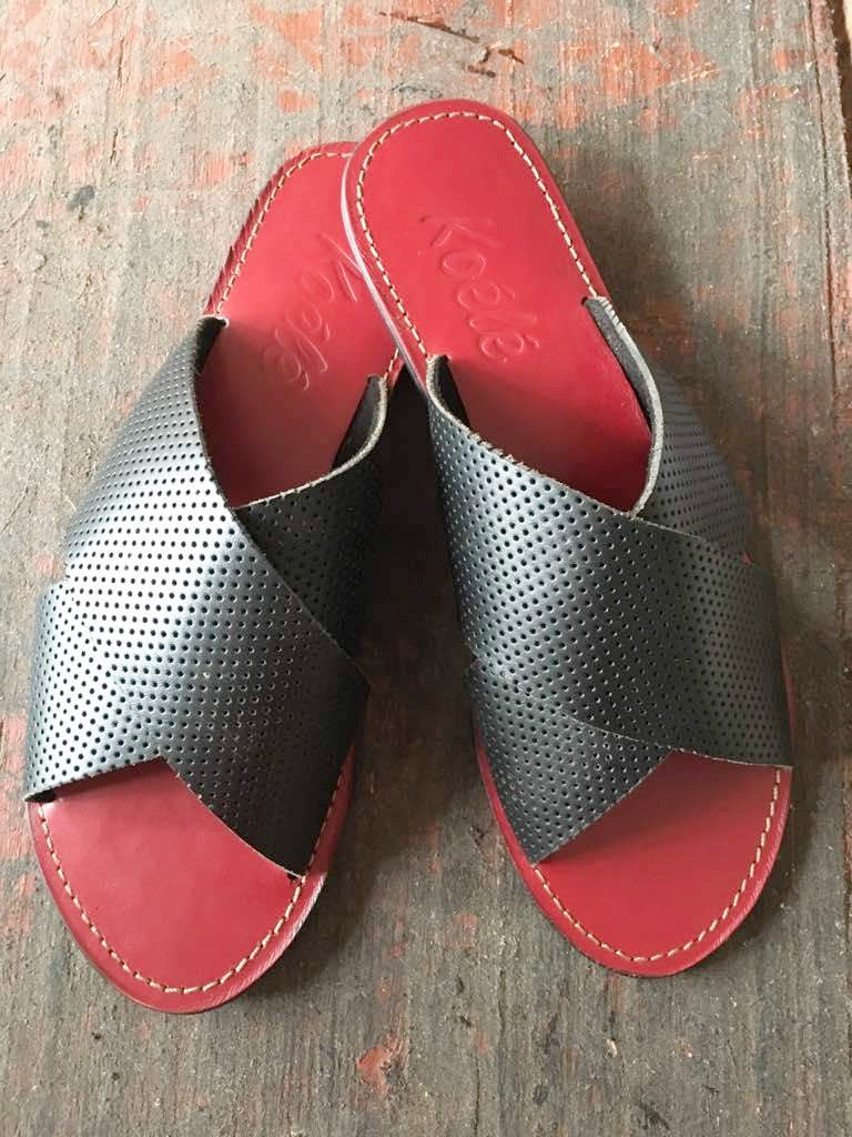 YVONNE (BLACK  PERFORATED/RED)