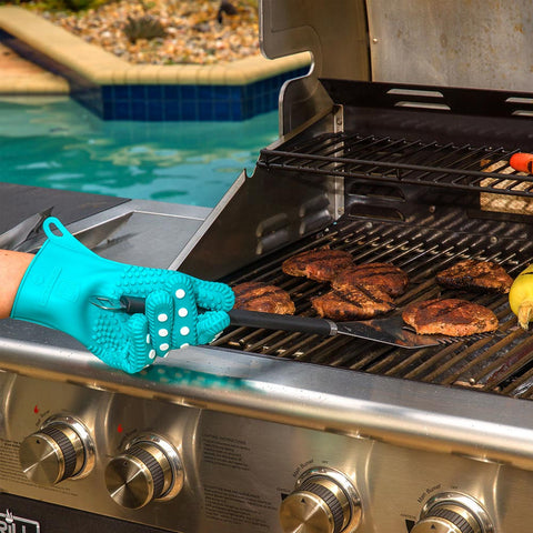 SOFT PINK - Women's Silicone Oven Mitts / Pot Holders - Support The Fight Against Breast Cancer.