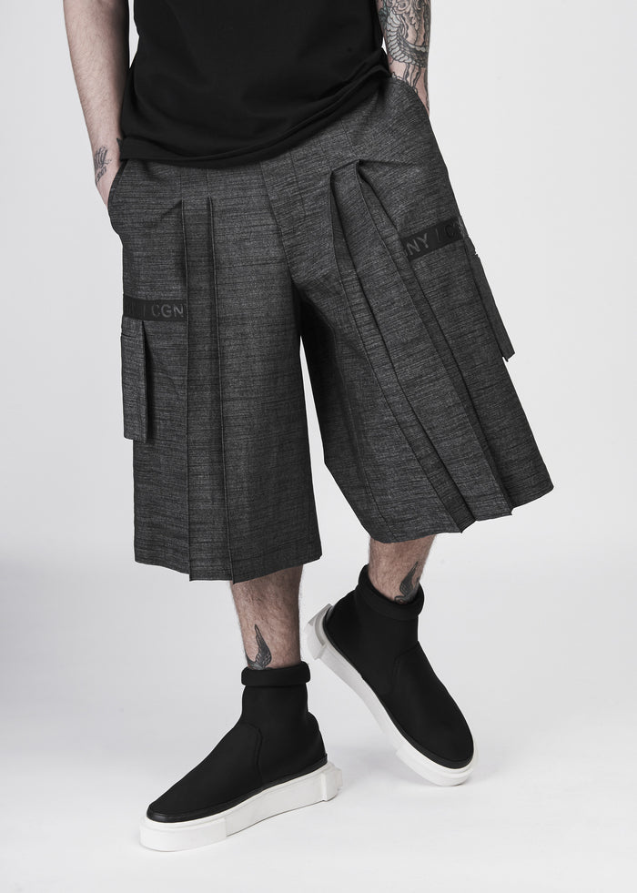 Pleated Wide-Leg Shorts in Charcoal - CGNY
