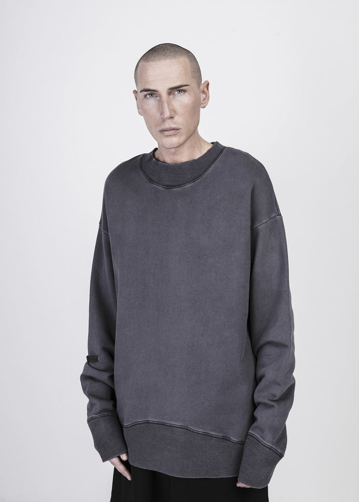 Heavy washed distressed Sweater in Grey Quartz - CGNY