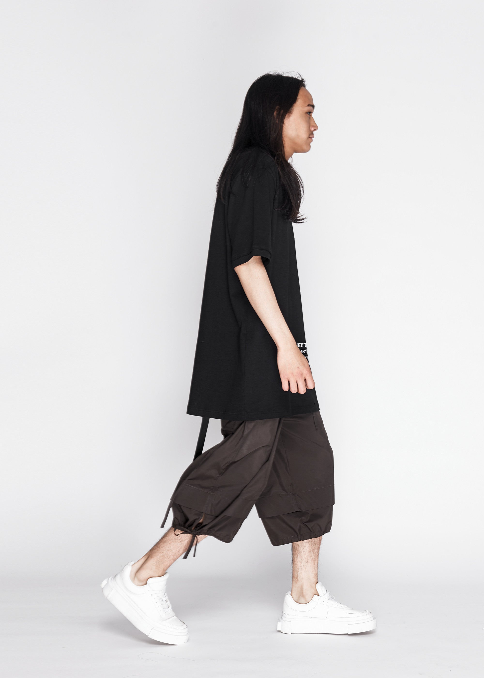Back Ribbon Oversized Tee in Black
