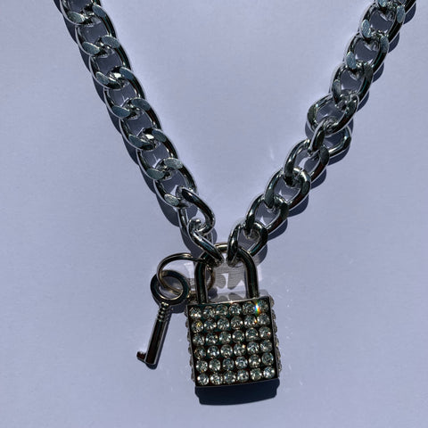 GLAM BITCH Chain Necklace