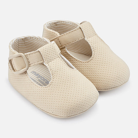 Off White Leatherette Shoes For Baby: Mayoral 9038