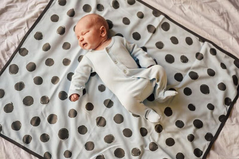 L'ovedBaby Moonbeam/ Gray Swaddling Blanket