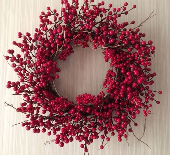 Red Berry Vine Wreath - 24""