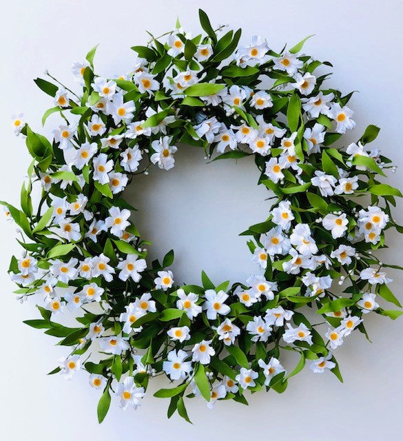 White Daisy Wreath - 24 Inches