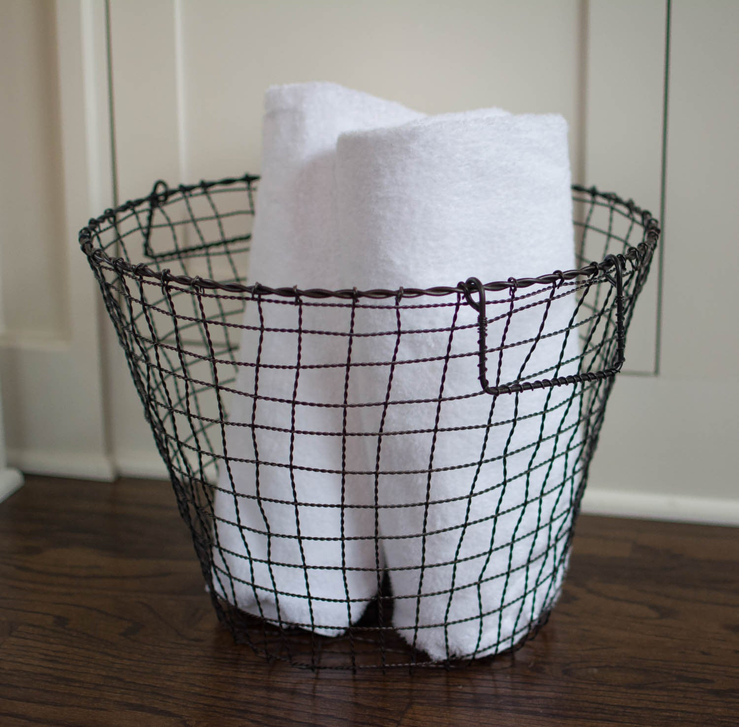 Iron Wire Basket With Handles - Round - Large