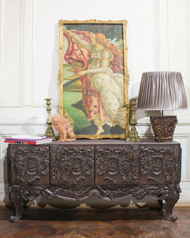 https://www.parrotandlily.com/products/outstanding-commode-inspired-by-peak-of-rococo?_pos=1&_sid=4966d0e21&_ss=r