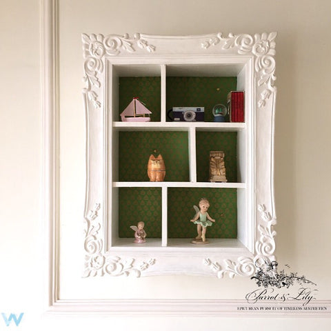 Shelf inspired by Louis XV frame