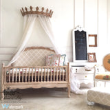 The dreamy Cot inspired by Louis XV