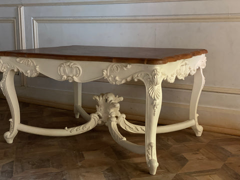 Louis XV centre table with extraordinary brilliance