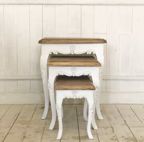 Louis XV stacking table with the most delicate silhouette