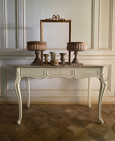 Surreal desk in sleek Louis XV framework