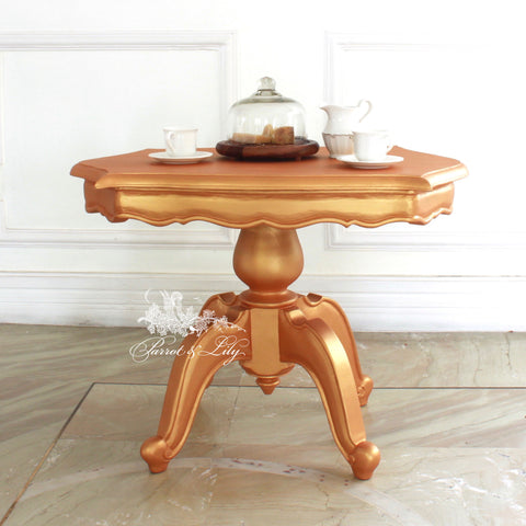 Center table of French provençal style