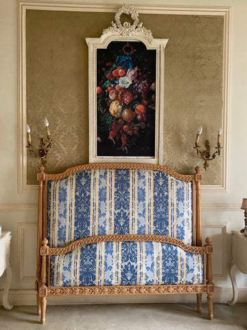 Louis XVI bed with the most sleek silhouette