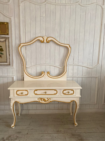 Dressing Table inspired by Louis XV with pomegranate