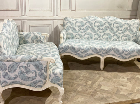 Bergère / sofa of Louis XV elegance