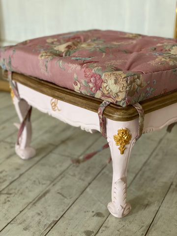 Footstool/ tabouret with acanthus leaves and roses