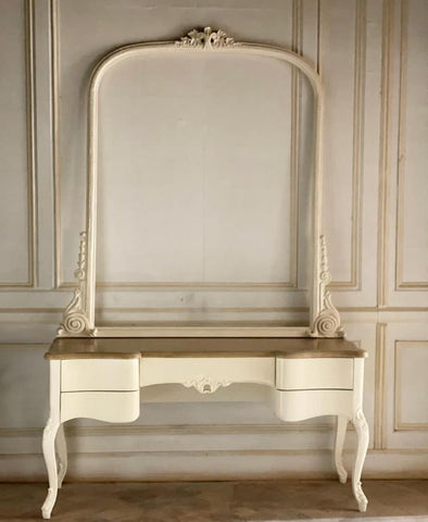 Classic Louis XV dresser/dressing table