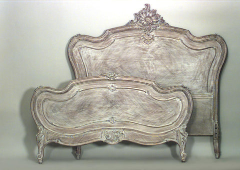 The rocaille bed from the archives of Louis XV