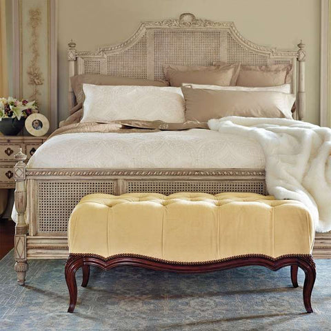 The wicker Louis XVI bed