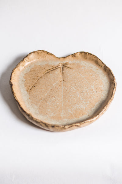 Banana Pottery Lotus Plate - Republic of Mode