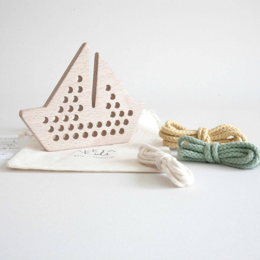 Natural Wooden Children's Lacing / Threading Toy - Boat - Bluebrontide