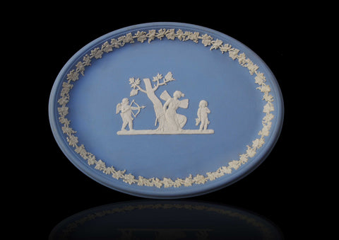 A Wedgwood oval tray