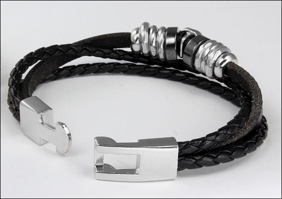 BRAND NEW - Black Vintage Leather Skull Bracelet
