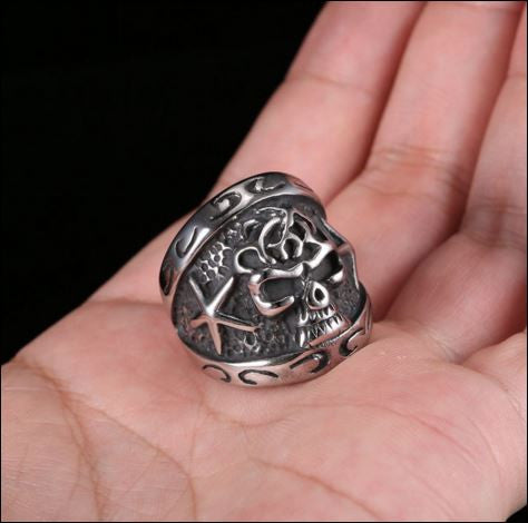 New Badass Skull Ring