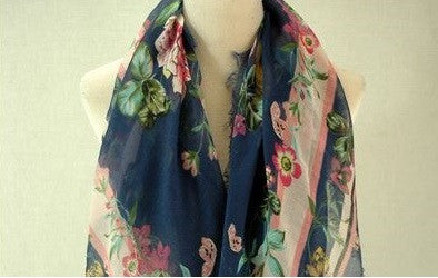 Multicoloured Floral Print Frayed Square scarf