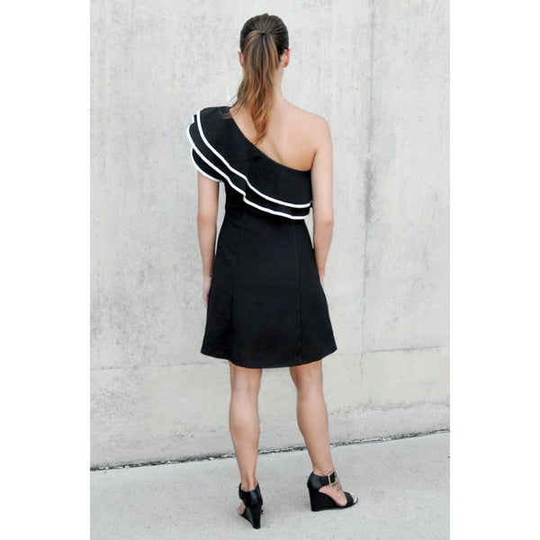 Chic Frills Ruffled One Shoulder Black Dress