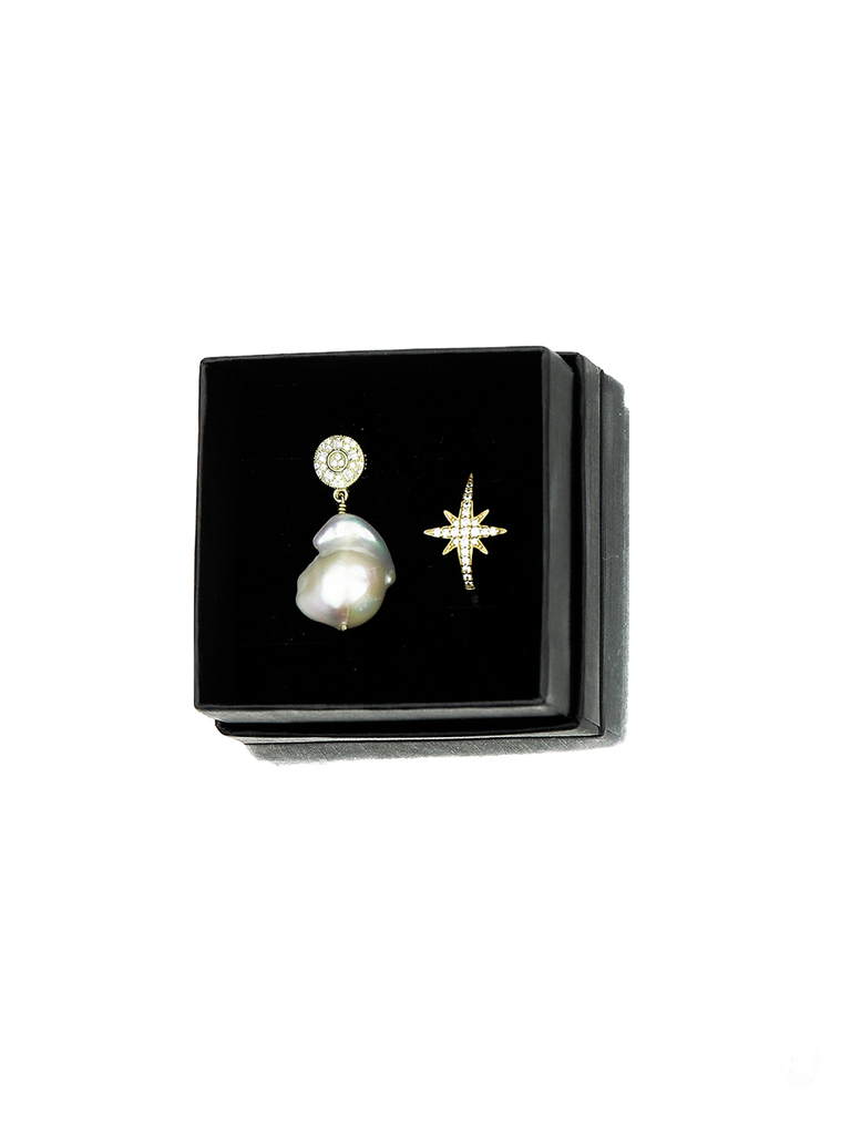PERLA BY EENVOUD PEARLY STAR EARRINGS