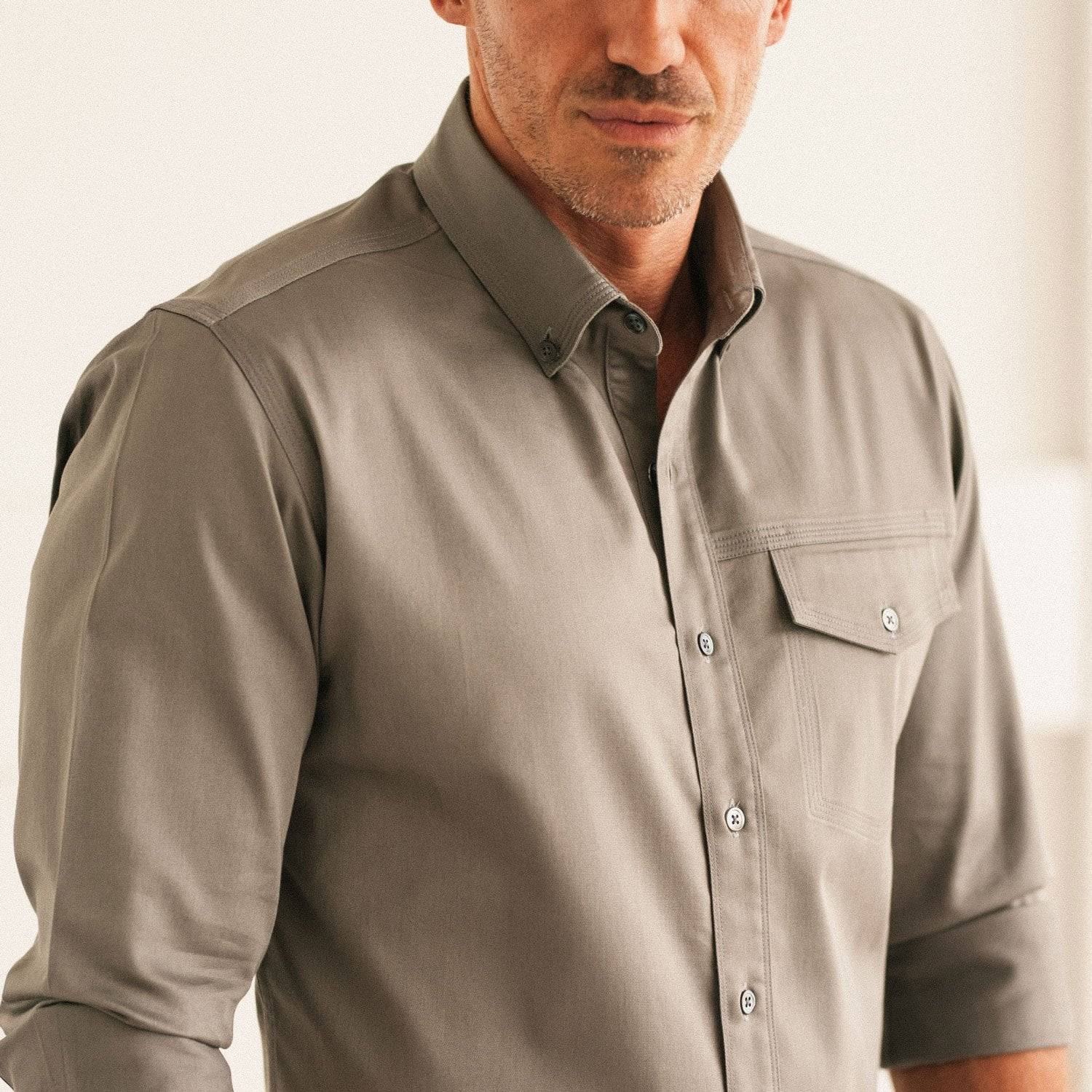 Men's Casual Shirt Shoulder Seam Placement