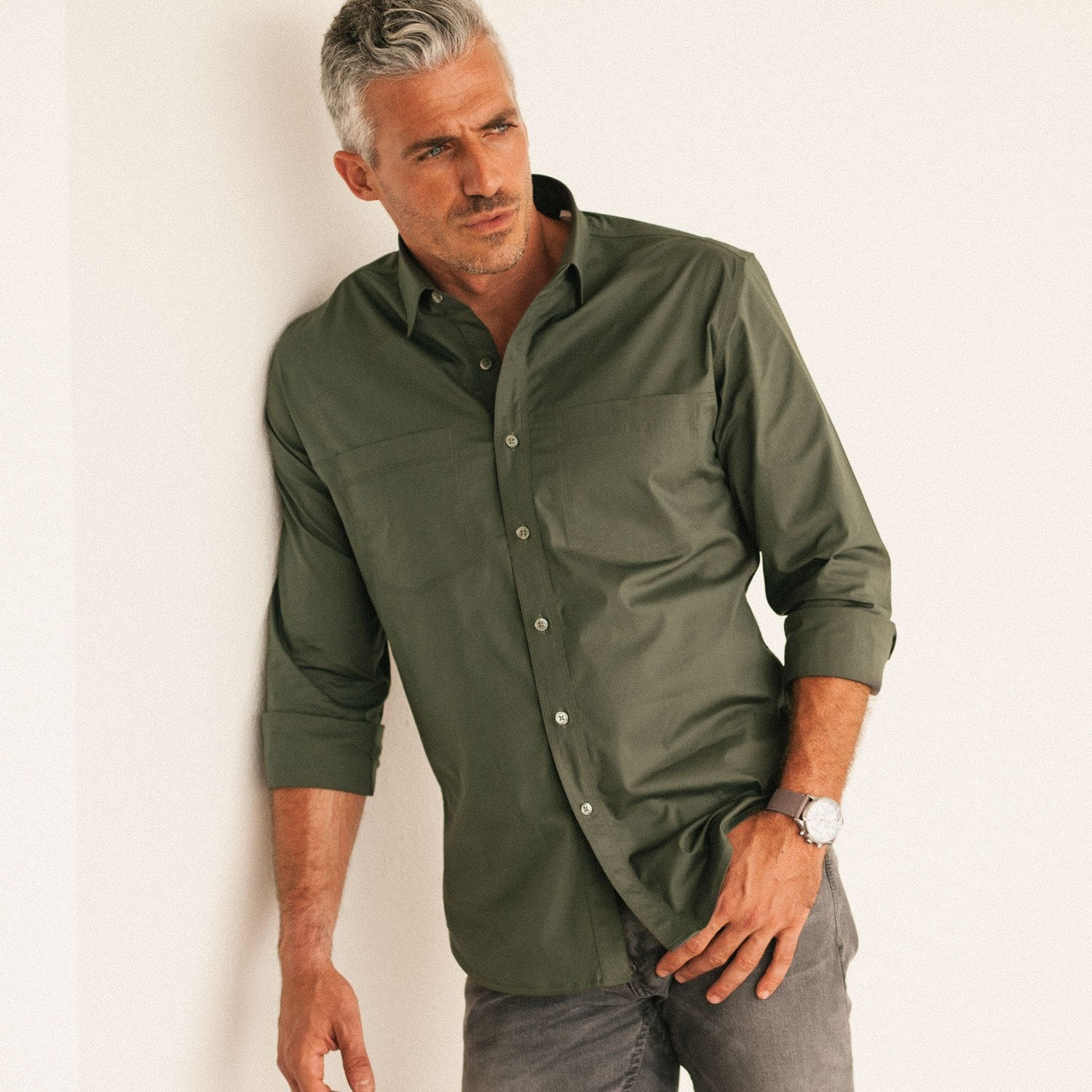 Men's Casual Purist Two Pocket Button Up Shirt in Fatigue Green