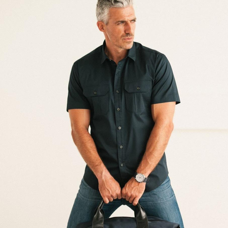 Men's Short Sleeve Shirt Correct Sleeves Versus Sleeves Swinging Out