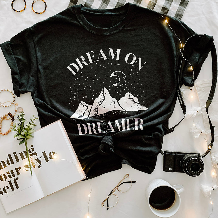 Dream On Dreamer Women's Graphic Tee | Alley & Rae Apparel