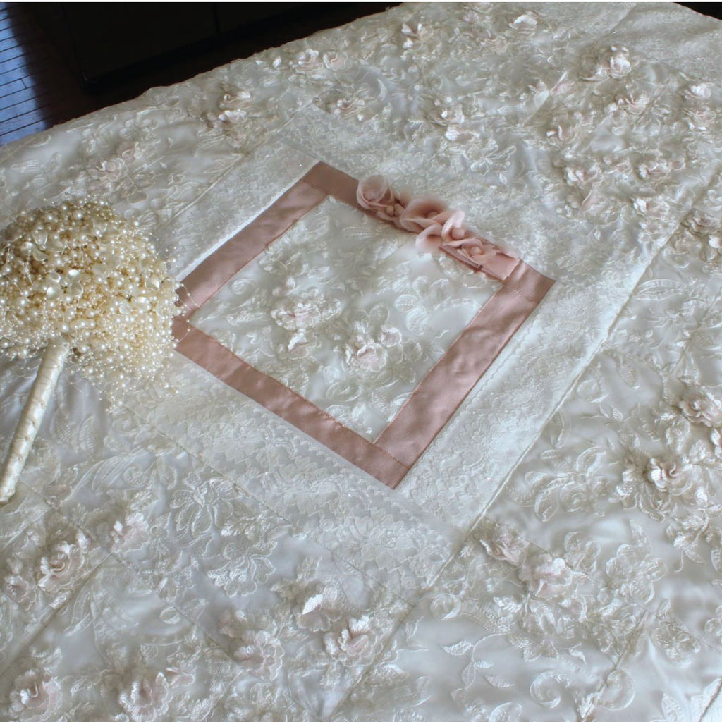Wedding Dress Quilt with Center Block Detail, 48x60