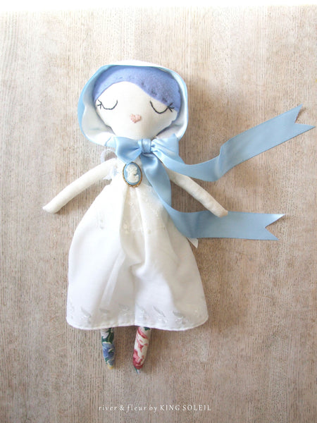 Heirloom Doll BlueBell Cottage Collection - King Soleil - 2