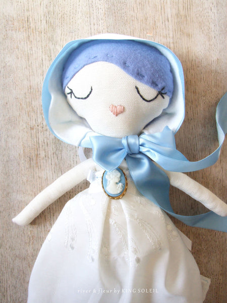 Heirloom Doll BlueBell Cottage Collection - King Soleil - 1