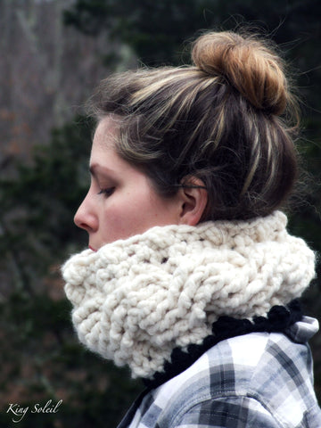 Cable Cowl in Ivory and Ebony - King Soleil - 1