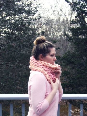 Ombre Puff Cowl in Papaya - King Soleil - 1