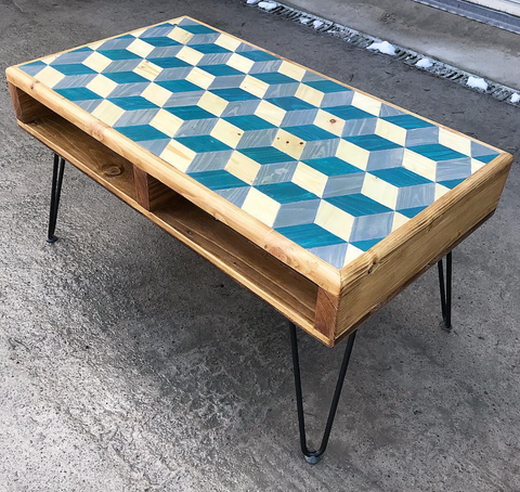 Louis cube table with hairpin legs