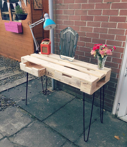 Pallet wood hairpin leg table