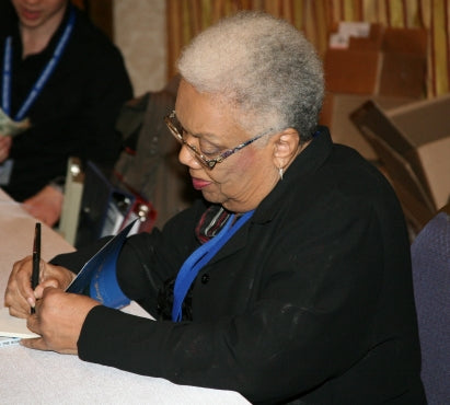 Lucille Clifton signing Blessing the Boats (photo by Robb Cohen)