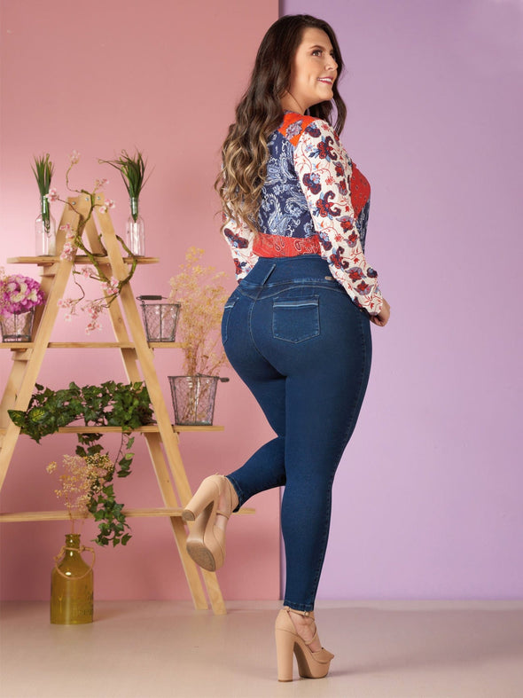 dark wash butt lift jeans long sleeves with nude high heels