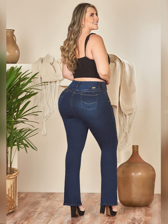 back view dark wash butt lift jeans and black high heels colombian
