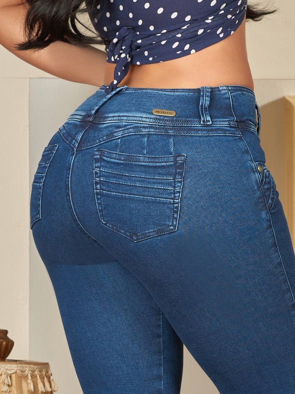 up close butt lift colombian jeans high waist wide pockets wedgie heart shape